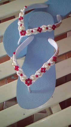 Macrame Design, Business For Kids, Crafts To Make, Crochet Projects, Holiday Gifts, Activities For Kids, Beaded Jewelry, Flip Flops, Slippers