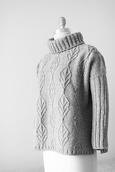 Risultati immagini per ponto de trico chains paternn Knitting Designs, Knitting Patterns, Knitting Projects, Knitwear Fashion, Sweater Fashion, Easy Knitting, Knitting Needles, Black White Pattern, Brooklyn Tweed