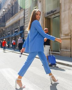 Blue suit for work Business Outfits, Business Attire, Business Fashion, Mode Outfits, Fashion Outfits, Womens Fashion, Work Fashion, Fashion Looks, Classy Outfits