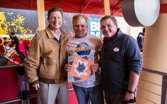 Clifford, também conhecido por Rockitman, completou 10 mil voltas na montanha-russa Hollywood Rip Ride Rockit! Desde que a atração foi inaugurada, Rockitman, que é portador do passe anual da Universal e visita o parque habitualmente, assumiu a missão de tornar-se...