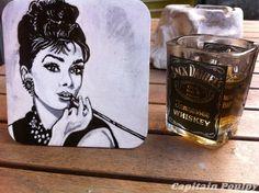 """-"""" Pour avoir des lèvres attirantes,prononcez des paroles de bonté."""" Audrey Hepburn #MoonRiver"""