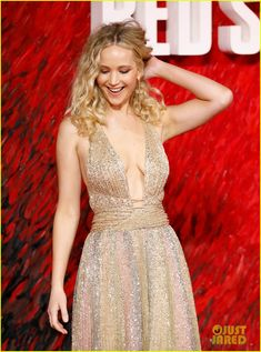 Jennifer Lawrence Works the Red Carpet at 'Red Sparrow' Premiere