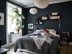 scandinavian bedroom dark blue Dark blue Scandinavian bedroomYou can find Dark bedroom and more on our website Bedroom Decor Dark, Bedroom Colors, Home Bedroom, Modern Bedroom, Bedroom Ideas, Dark Cozy Bedroom, Dark Bedroom Walls, Dark Blue Bedrooms, Blue Rooms