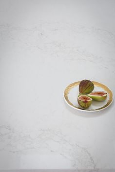 Julia & Sasha share kitchen, mudroom and laundry - The Interiors Addict Kitchen Benchtops, Splashback, Modern Laundry Rooms, Kitchen Island Bench, White Shaker Kitchen, Kitchen Drawing, Kitchen Trends, Kitchen Ideas, Home Decor Kitchen