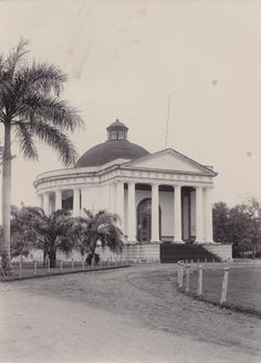 Batavia: Willemskerk, now Gereja Immanuel. This old protestant church is still standing proudly serving the people. Beautiful old church which is now surrounded by other important buildings, across the Pertamina big complex and Gambir train station.