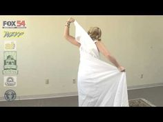 How to Wrap a Toga. Once the tuxedo of the Ancient Romans, the toga is now a favorite costume at many events, including fraternity, sorority or Halloween parties. It's also a great option for last-minute costume planners, because you can. Greek Goddess Dress, Greek Dress, Diy Greek Goddess Costume, Godess Costume, Toga Party Costume, Diy Toga, Greek Toga, Toga Dress, Diy Costumes