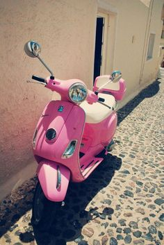Pink vespa, I am determined to get one