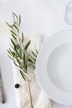 Dining & Entertaining in Style: Fabulous Tablescapes. Fresh Farmhouse, Modern Farmhouse, Minimal Wedding, Sunday Suppers, Party Entertainment, Deco Table, Decoration Table, Event Styling, Dinner Table