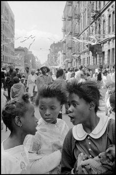Leonard Freed, USA, Harlem, NY, 1963, Street festival. © Leonard Freed/Magnum Photos.