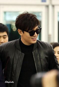 Lee Min Ho on his way to Guangzhou, 20141025.