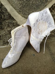 Vintage 80s White Lace ankle Boots by nanapatproject on Etsy, $28.00