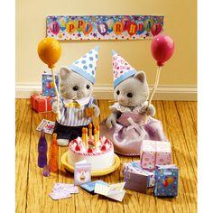 Un ensemble pour jouer avec ses figurines Sylvanian et fêter leurs anniversaires.