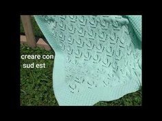 "copertina ai ferri ""profumo di menta"" per neonati - YouTube Youtube, K2, Blanket, Crochet, Baby, Iron, Mint, Crochet Crop Top, Newborns"