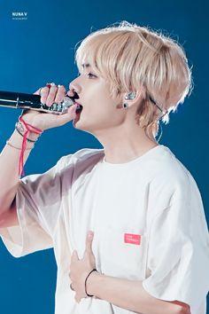181114 - BTS Love Yourself Tour at Tokyo Dome ( Tokyo, Japan ). Cre: BTS's fansites [ thanks to BTS's fansites] Daegu, Bts Boys, Bts Bangtan Boy, Jimin Jungkook, Jung Hoseok, K Pop, Seokjin, Namjoon, Kim Taehyung