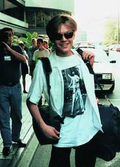 Leo arrives in Karlovy Vary (Czech republic)for film festival ,June 1994 . in ur country 😍 . Leonard Dicaprio, Young Leonardo Dicaprio, Beautiful Boys, Pretty Boys, Beautiful People, Leo And Kate, Jack Dawson, Cute Guys, Celebrity Crush