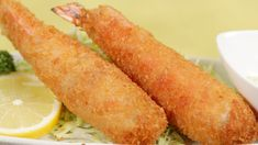 How to Make Jumbo Ebi Fry ジャンボえびフライの作り方 字幕表示可 材料(日本語)↓ (serves 1) 2 Large Frozen Prawns in shell with head removed All Purpose Flour ½ Beaten Egg + A sprinkl...