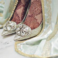 Henna Me Pretty   Nuriyah O. Martinez   621 vind-ik-leuks, 4 reacties - spontane film en fotografie (@spontane_fotografie) op Instagram: 'Beautiful @sarahmohandis styled by talented @kaltje and @laylaziana .#weddingdress #photooftheday…'