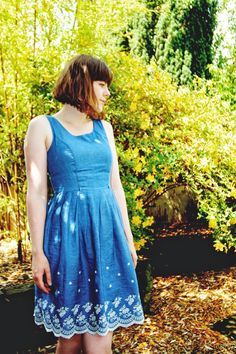 Blogger Fritha from 'TigerLilly Quinn' in the Yumi Daisy Denim Dress