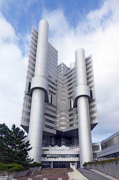 Hypo-Hochhaus der HypoVereinsbank, Walther und Bea Betz, 1975–1981. / 092012 | by Martin Maleschka