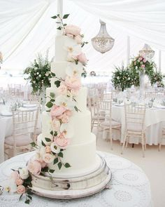 weddings - 55 simple, elegant, chic wedding cakes 38 GentileForda Com 5 Tier Wedding Cakes, Blush Wedding Cakes, Wedding Cake Fresh Flowers, Rustic Wedding Cake Toppers, Buttercream Wedding Cake, Floral Wedding Cakes, Wedding Cake Decorations, Elegant Wedding Cakes, Beautiful Wedding Cakes