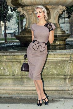 This dress is the quintessential curvy secretary dress that screams Joan from Mad Men. Sophisticated, feminine and flattering, this dress goes perfectly with peep toe or really any type of heels. The