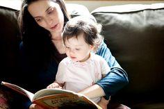 Høytlesning styrker utviklingen av både talespråk og lese- og skriveferdigheter.