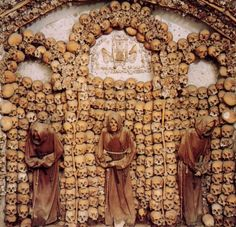 Cemeteries that Will scare you out of your skin. Check out these 20 Scary Cemeteries, there's something mystical and creepy about these places. Renaissance, Old Cemeteries, Graveyards, Cemetery Art, Most Haunted, Memento Mori, Casket, Skull Art, Santa Maria