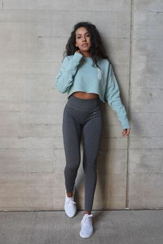 Outfit Goals 💕 Source by lovefitnessapp leggings outfit Comfy Legging Outfits, Grey Leggings Outfit, Dark Grey Leggings, Cute Outfits With Leggings, Coloured Leggings, Comfy School Outfits, Cute Comfy Outfits, Sporty Outfits, Athletic Outfits