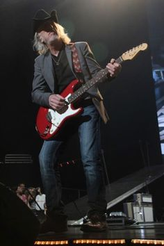 See the top 10 Aerosmith famous songs at… Brad Whitford, Joe Perry, Steven Tyler, Aerosmith, Cool Bands, Songs, Music, Boston, Top