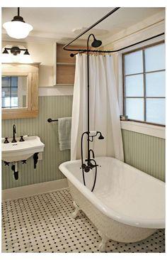 Clawfoot Tub Bathroom, White Bathroom, Bathroom Interior, Small Bathroom, Bathroom Ideas, Bathroom Beadboard, Bathroom Vintage, Bathroom Curtains, Bathroom Cabinets