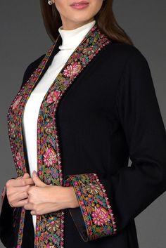 Stylish Dress Designs, Designs For Dresses, Stylish Dresses, Mode Abaya, Mode Hijab, Pakistani Dresses Casual, Pakistani Dress Design, Embroidery Suits Design, Embroidery Fashion
