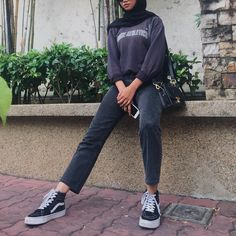 go on with those ugly ass cheap bitches, im just sittin here slaying as a queen👑😘 Modest Fashion Hijab, Modern Hijab Fashion, Street Hijab Fashion, Casual Hijab Outfit, Hijab Fashion Inspiration, Muslim Fashion, Casual Outfits, Fashion Outfits, Fashion Ideas