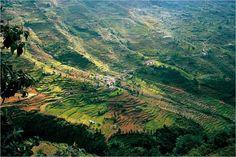 Maisema kutsuu vaeltamaan Nepaliin Dudh Kosiin Kharikholan ja Luklan välille. GEO