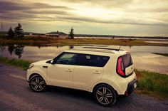 2015_Kia-Soul-SX-Luxury-white-Rainbow-Haven