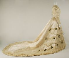Wedding dress, House of Worth, French, 1905, silk, wax, & cotton