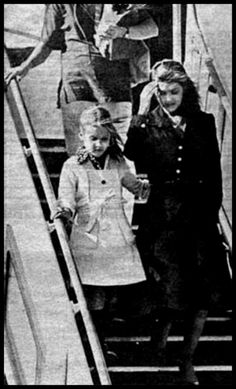 """August 1977, Priscilla and Lisa getting off the """"Lisa Marie"""" (sad time in history)."""