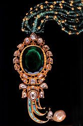 Some Indians are updating centuries-old inherited jewelry to meet new tastes.