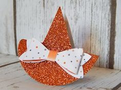 Witch Hat Clip Tutorial - Splitcoaststampers (Pumpkin Pie Glimmer Paper)