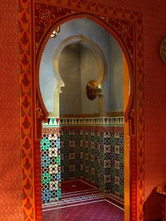 Inspiration for my bedroom - Mild Moroccan styling (i.e. paprika and strong colouring, tiling, silks) for one bedroom Frank de Biasi Interiors, Palm Beach