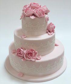 Nun beginnt die Hochzeitssaison 👰🤵🏼 freut ihr euch schon darauf !? . . . #lheiner #konditorei #konditor #kuk #zuckerbäcker #wien…