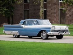 1959 Ford Galaxie Skyliner Retractable Hardtop retro h Ford Motor Company, Car Ford, Ford Trucks, Convertible, Ford Lincoln Mercury, Ford Shelby, Ford Classic Cars, Old Fords, Ford Fairlane