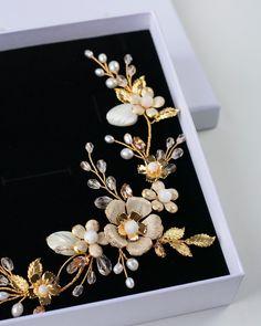 Bridesmaid Accessories, Wedding Accessories, Hair Accessories, Wedding Sets, Floral Wedding, Wedding Styles, Bridal Jewelry Sets, Bridal Earrings, Bridal Hair Vine