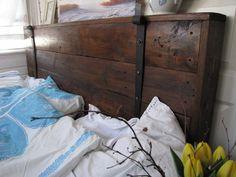 Sängynpääty tumma antiikkiruskea | Muut huonekalut | RiihiRustiikki