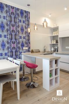 #интерьер #дизайн #белый #малиновый #студио #лампа #кухня #комната #бродская #декор #design #interior #brodskaya #decor #studio #kitchen #white #home #blue #wallpaper #голубой