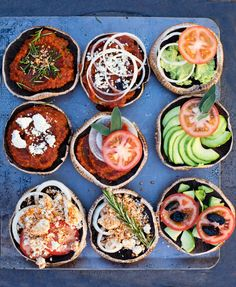Raw Mini Pizzas: 13 Delicious Pizza Bowl Recipes That Are Actually Healthy via Brit + Co Raw Vegan Recipes, Vegan Foods, Vegan Dishes, Healthy Recipes, Vegan Pizza, Vegan Vegetarian, Vegetarian Recipes, Vegan Raw, Whole Food Recipes