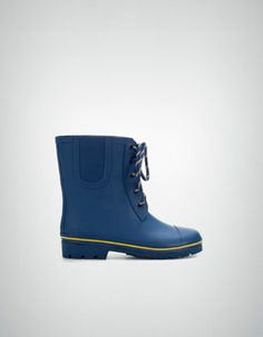 BLUE WELLY