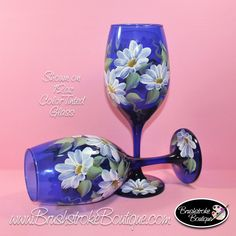 Hand Painted Wine Glasses Daisies on Cobalt Blue Tinted Blue Wine Glasses, Hand Painted Wine Glasses, Painted Wine Bottles, Wine Glass Crafts, Wine Bottle Art, Bottle Painting, Glass Art, Just For You, Cobalt Blue