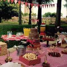 O céu abriu, o sol raiou e foi liiiiinda a festa picnic no parque! #obrigadapelatréguasãopedro #rezaforte #simplespravc #festainfantil #picnic #natureza #parqueraya