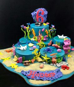 Sea life cake.  Perfect time to bust out that Personalized Sea Animal Birthday CD from www.MyMusicCD.com! #personalizedmusiccd, #personalizedbirthdaycd