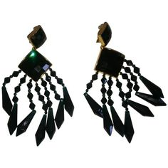 Pre-owned Earrings (8635 RSD) ❤ liked on Polyvore featuring jewelry, earrings, green, preowned jewelry, pre owned jewelry, balmain earrings, balmain and green jewelry
